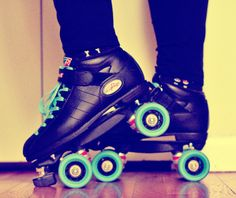 God invented to roller skates to keep man from walking. Roller skates could change the world. Roller Derby, Roller Skating, Skates, Rolling Skate, Image Photography, Fashion Photography, Cute Fashion, Girl Fashion, Bootsy Collins