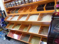Glass Shelves, Display Shelves, Shop Counter Design, Supermarket Design, Pharmacy Design, Vertical Garden Diy, Modern Shop, Shelf Design, Shop Interiors