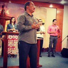 """""""Es el Espíritu el que nos ayuda en nuestras debilidades"""" - P. Mizraim Esquilín #VidaAMEC #PrayerService"""