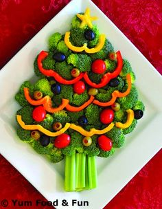 Ideas Appetizers For Party Christmas Holidays Veggie Tray Christmas Veggie Tray, Christmas Tree Food, Christmas Snacks, Xmas Food, Christmas Cooking, Holiday Treats, Holiday Recipes, Christmas Holidays, Christmas Menu Ideas
