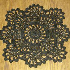 Crochet Lace FREE crochet pattern for a Sun-Flower Doily. - FREE crochet pattern for a Sun-Flower Doily. Free Crochet Doily Patterns, Crochet Motifs, Crochet Squares, Thread Crochet, Filet Crochet, Crochet Designs, Free Pattern, Tatting Patterns, Crochet Ideas