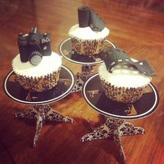 camera cake, camera cupcakes