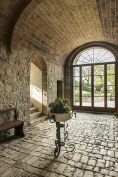 Val d'Orcia Abbey for Sale. Stunning restored Century Abbey, located in the magnificent World Heritage site of the Val d'Orcia, Tuscany. Stone Interior, Interior And Exterior, Interior Design, Tuscan Style Homes, Dream House Interior, Brick And Stone, Stone Houses, Spanish Style, Rustic Interiors