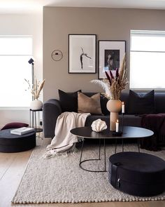 Image about black in Interior by Sofia on We Heart It Home Decor Inspiration, Home Living Room, Living Room Decor Apartment, Apartment Living Room, Home Decor, House Interior, Apartment Decor, Room Decor, Home Interior Design