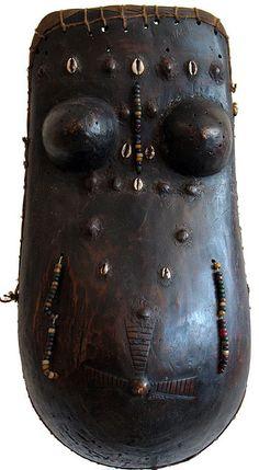 Makonde body mask.                          Photo credit: Ann Porteus, Sidewalk Tribal Gallery