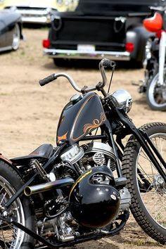 Bobber Inspiration | Panhead bobber | Bobbers and Custom Motorcycles #harleydavidsonbobbersoldschool