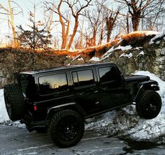 Park that anywhere My Dream Car, Dream Cars, Jeep Truck, Jeep Jeep, Jeep Baby, Car For Teens, Jeep Photos, Badass Jeep, Black Jeep