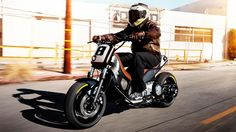 2012-Yamaha-TMAX-Hyper-Modified-by-Roland-Sands-EU-NA-Action-003    Featured on ScooterFile.com