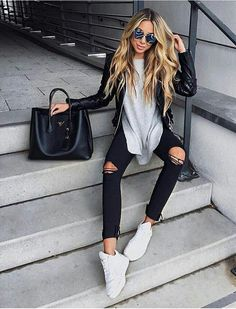 Summer Look - Latest Casual Fashion Arrivals. The Best of clothes in 2017 Perfect Summer Look - Latest Casual Fashion Arrivals. The Best of clothes in Summer Look - Latest Casual Fashion Arrivals. The Best of clothes in 2017 Fall Fashion Trends, Fashion 2017, Autumn Fashion, Fashion Outfits, Fall Trends, Fashion Spring, Summer Trends, 80s Fashion, Jeans Fashion