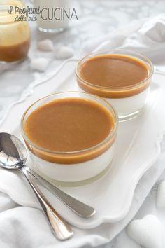 Panna cotta con salsa mou
