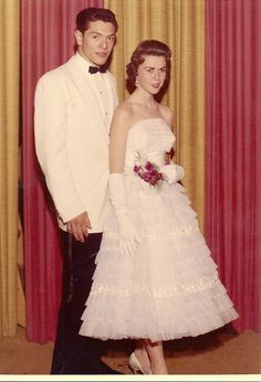 Vintage Prom, Vintage Glamour, 1950s Prom, Prom Date, Homecoming, Retro Pop, Prom Pictures, Prom Night, Prom Dresses