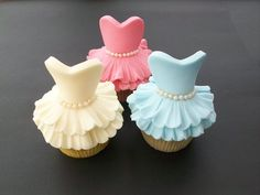 "Cupcakes - ""Look at those! Those are DRESS cupcakes! I like the pink dress cupcake the best. The blue one is like the Cinderella dress. I don't know what the yellow one is. Cupcakes Design, Cupcakes Cool, Beautiful Cupcakes, Cute Cakes, Pretty Cakes, Dress Cupcakes, Amazing Cupcakes, Wedding Cupcakes, Dress Cake"