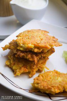 Placuszki z marchewką, serem feta i kuminem