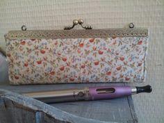 Pochette Ecigarettes vapoteuse - coton liberty intérieur lin : Trousses par dentelles-et-fanfreluche