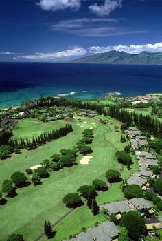 Kapalua Resort is a golf and beach resort in Kapalua, Hawaii on the northwest shore of the island of Maui near Lahaina, Hawaii. Kapalua Golf, Kapalua Resort, Kapalua Maui, Oahu, Paradis Tropical, Maui Resorts, Golfer, Golf Videos, Surfers