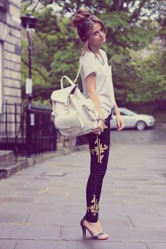 Missguided printed jeans, Topshop top, Mango shoes, Vanessa Mooney necklace, Grafea bag