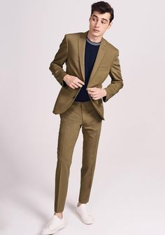 The Summer season Vogue Man just a few examples with basic items Blazer Outfits Men, Mens Fashion Blazer, Outfits Hombre, Suit Fashion, Formal Men Outfit, Men Formal, Mens Fashion Summer Outfits, Vogue Men, Casual Suit