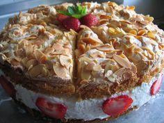 Bild von 'Schwimmbadtorte mit Erdbeeren'