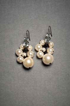 Elegant pearl drop earrings #wedding #earrings #pearls