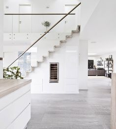 Danish House Tour: Minimalism in Greve — Beach Surf Decor by Nature Glass Stairs, Wooden Stairs, Glass Stair Railing, Staircase Railings, Staircase Design, Danish House, Surf Decor, Scandinavian Home, Minimalist Home