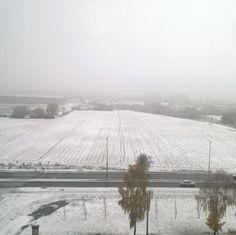 Zapowiadali wczoraj i jednak jest. Pierwsi śnieg. #lublin #rower