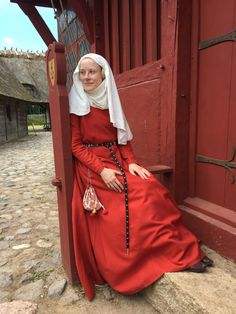 P. Birgitan mekko / Dress of St. Birgitta/Bridget – Neulakko a 14th century dress based on a relic from medieval Sweden