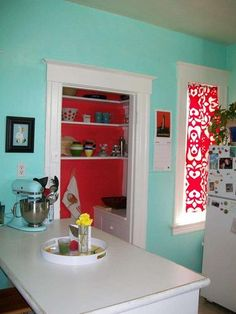 Retro kitchen. Pantry a contrasting color.