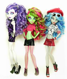 Spectra, Venus and Ghoulia - Curl Girls by BratzBoi™