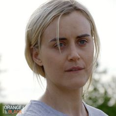 orange is the new black oitnb idk shrug piper chapman taylor schilling idc oitnb season 5