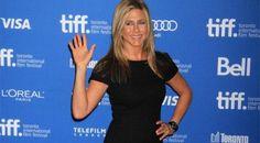 """A Jennifer Aniston no le resulta """"doloroso"""" hablar con Brad Pitt"""