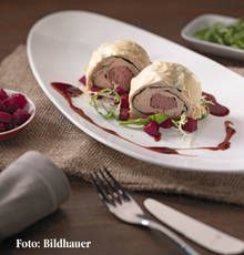 Lammrücken im Strudelteig - für das ausführliche Rezept auf das Bild klicken!