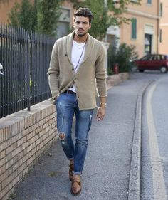 Casual Men's Style Inspiration. Mens Fashion Blog, Fashion Mode, Look Fashion, Fashion Ideas, Fashion Outlet, Woman Fashion, Paris Fashion, Fashion Fashion, Runway Fashion