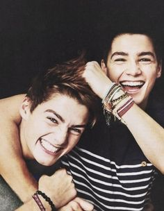 Finn and Jack Harries! Jack for me and Finn for Darby! Jack And Finn Harries, Jack Finn, Beautiful Boys, Beautiful People, Hello Beautiful, Gorgeous Men, Tyler Oakley, British Boys, Raining Men