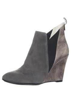 Paco Gil High heeled ankle boots - trento for Free delivery for orders over Wedges, Shoes, Fashion, Brown, Moda, Shoe, Shoes Outlet, Fashion Styles, Wedge