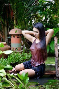 Beautiful and sensual Sexy Asian Girls, Beautiful Vietnam, Vietnamese Traditional Dress, Vietnam Girl, Asian Hotties, Asia Girl, Beautiful Asian Women, Ao Dai, Sexy Women