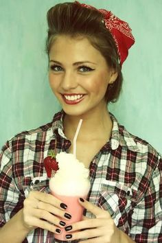 Great Pin-Up type makeup... Perfect for a short and flirty dress!