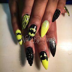 Batman stiletto nails. Want. These. #trythisnail