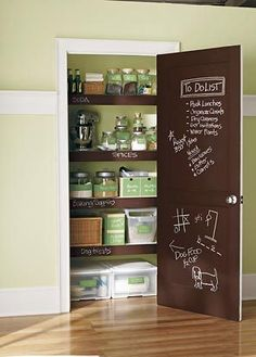 Chalkboard paint on edges of pantry shelves -- LOVE. Then no one wonders where to find or put away things!