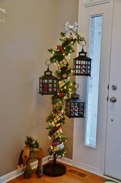 Hey are you looking for Christmas decorations? Yes Christmas is the biggest festival in this world. People around the world celebrate Christmas. If you are looking for some Christmas decorations . Christmas Jingles, 25 Days Of Christmas, Merry Christmas To You, Country Christmas, Xmas, Christmas Lanterns, Christmas Decorations To Make, Christmas Projects, Christmas Ideas