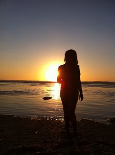 Sunset ☀️ Moonlight Photography, Sea Photography, Shadow Photography, Tumblr Photography, Girly Pictures, Summer Pictures, Beach Pictures, Lovely Girl Image, Cute Girl Pic