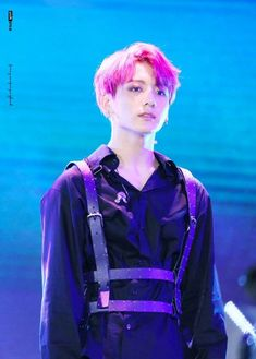 "[HQ] 180622 롯데 — Jungkook BTS on stage with red hair ♡ ""I do believe your galaxy 🌌"" Bts Jungkook, Yoongi, Taehyung, Suga Suga, Jung Kook, Jung Hyun, Busan, Jikook, Elvis Presley"