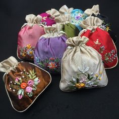 Wholesale Lots Chinese Handmade Embroidered Flower Silk Gift Bags Pouch