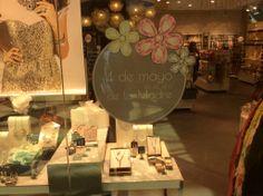 Especial plata y bisutería   Escaparate4   #moda #escaparatismo #visualmerchandaising #complementos