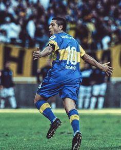"""DE LOCOOOOOOOS! El Instituto Brasileño de Geografía y Estadística indicó que el nombre de futbolista que más se usó en los últimos 15 años para bautizar a los niños fue """"Riquelme"""" o """"Rikelme"""", por encima de """"Romario"""" y """"Ronaldo"""". Hoy en Brasil hay..."""