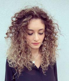 Prolunga la lucentezza dei capelli colorati come solo la natura sa fare... #avedacolormetod #HairGarage Dreadlocks, Hairstyle, Beauty, Collection, Beleza, Hair Style, Haircut Styles, Dreads, Box Braids