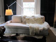 Natural cream color shaggy wool felt throw or rug #vachtvilt #vachtvilten #Purewol