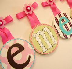 This is cute. I want to do it with embroidery hoops and fabric.