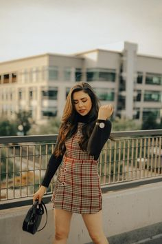 Curious how to transition from summer to fall? Olivia from Signed Silver Lining shows her top fashion tips on how to transition from summer to fall. Classic Outfits, Simple Outfits, Trendy Outfits, Fall Outfits, Elegant Outfit, Autumn Summer, Everyday Outfits, Outfit Of The Day, What To Wear