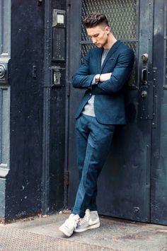 スーツにこのスニーカーはかっこいい! - 海外のストリートスナップ・ファッションスナップ