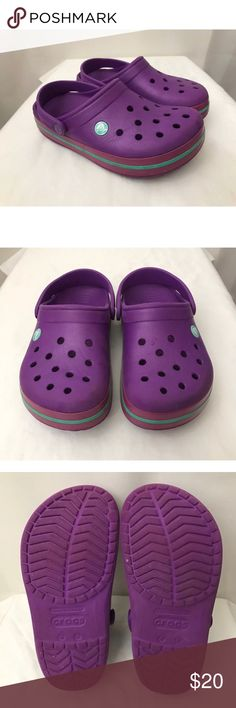 CROCS Classic Unisex Purple Clogs Shoes CROCS Classic Unisex Purple Clogs Shoes Womens Sz 6 Mens Sz 4  Brand: Crocs Style: Unisex Classic Clogs Size: Men's 4  Women's 6 Condition: Great condition. Please review photos. CROCS Shoes Mules & Clogs